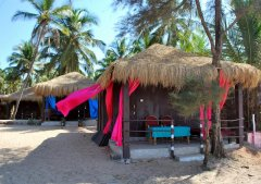 Shanti Agonda - The wooden beach huts at Shanti Agonda in Agonda Beach, Goa