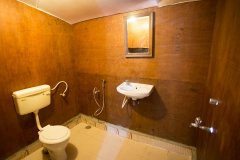 Namaste Resort Patnem Beach Family Room Bathroom -