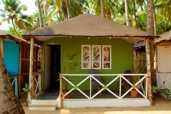 Agonda Paradise Resort - Beachfront Huts