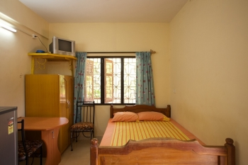 Barbara's Holiday Apartments, Palolem beach, Goa - Studio Apartment Bed -