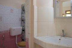 Barbara's Holiday Apartments, Palolem beach, Goa - Two Bedroom Apartment - Bathroom2