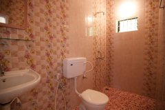 Filcon Goa Holiday Homes AC and Non Rooms Bathroom -