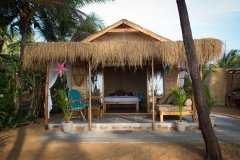 Surya Cafe and Huts Beachfront Hut -