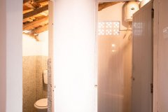 Casa de Praia Galgibag Beach Bathroom and Shower